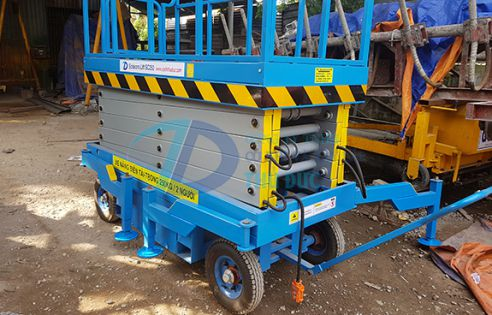 Mobile Scissor Lift Thu Duc Construction And Engineering